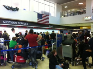 United Customer Service Line at LAX
