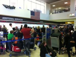 United Customer Service Line at LAX