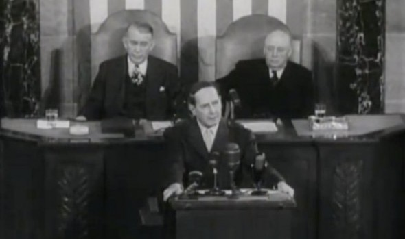 General Douglas MacArthur addressing a Joint Session of Congress. Image provided by: {link:http://ww2db.com/image.php?image_id=13101}World War II Database{/link}
